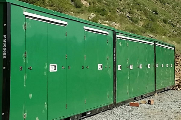 Charmant Mountain Mini Storage